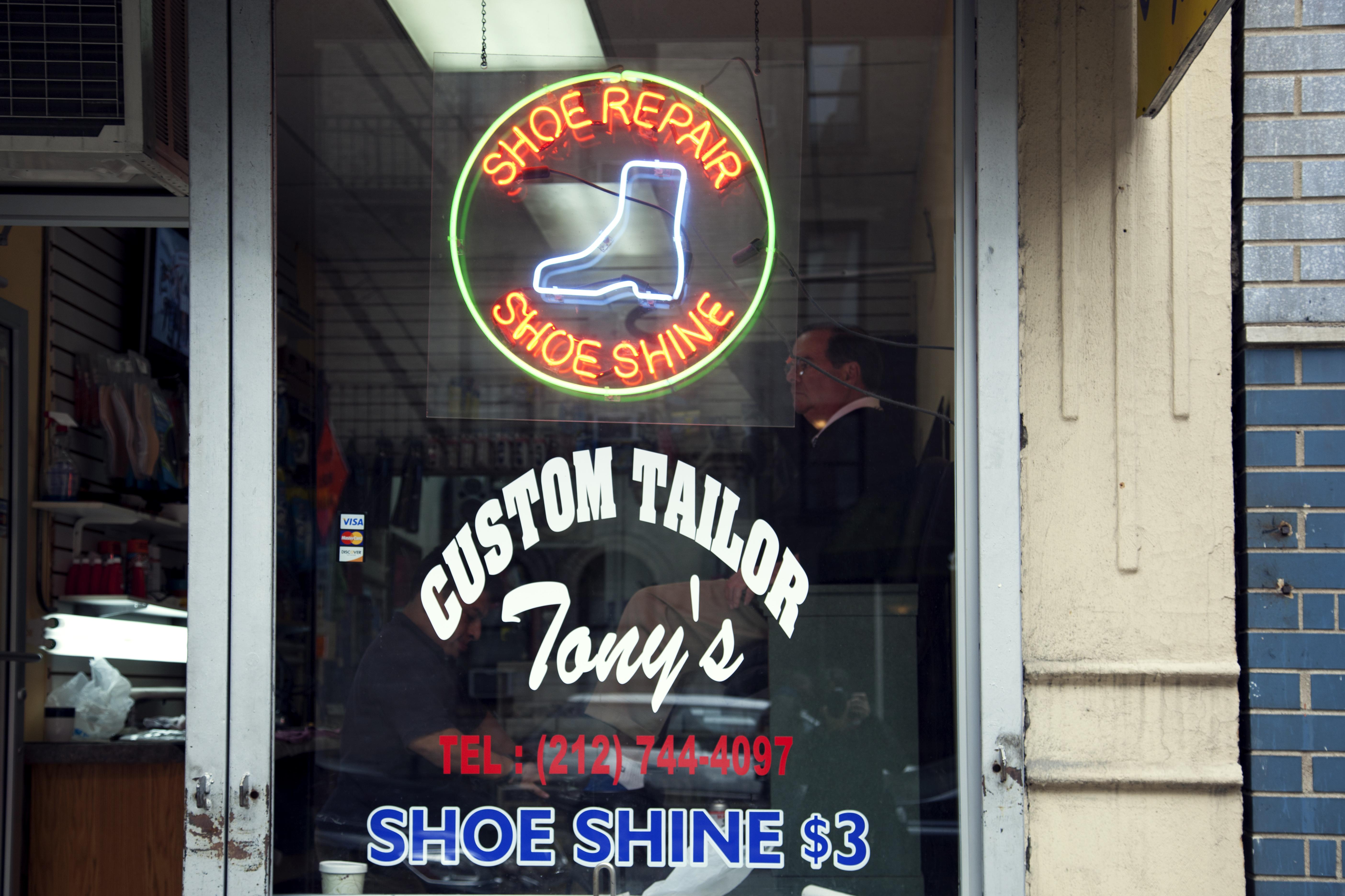 Tony's shoe shine