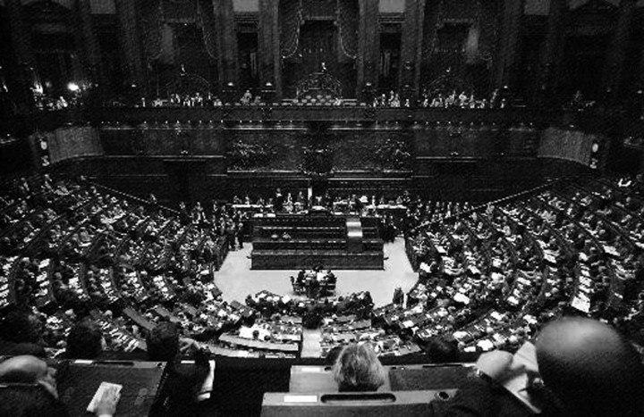 parlamento-in-bianco-e-nero