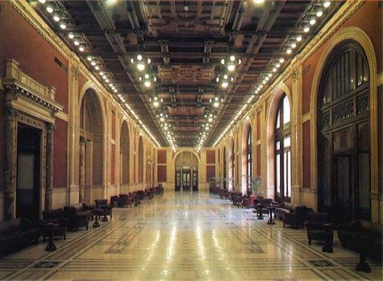 La lezione di stile di Laura Boldrini a Beppe Grillo